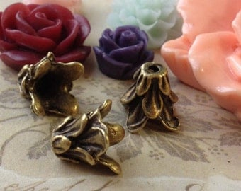 10 mm Antiqued Bronze (fit for 6mm , 8mm beads) Morning Glory Flower Bead Cap (.am)