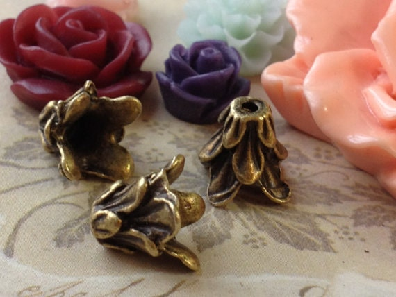 11 mm Antiqued Bronze Morning Glory Flower Bead Cap (.am)