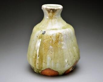 Shigaraki, anagama, ten-day anagama wood firing, with natural ash deposits sake bottle. tokuri-10