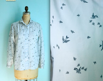 vintage 70s womens sparrow / bird print blouse / blue polyester / size small to medium