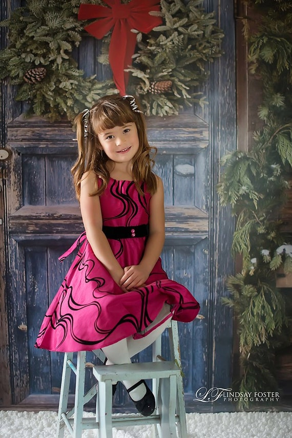 NEW ITEM 5ft x 6ft Vinyl Photography Backdrop / Custom Photography Prop / Christmas Holiday / Wreath Door