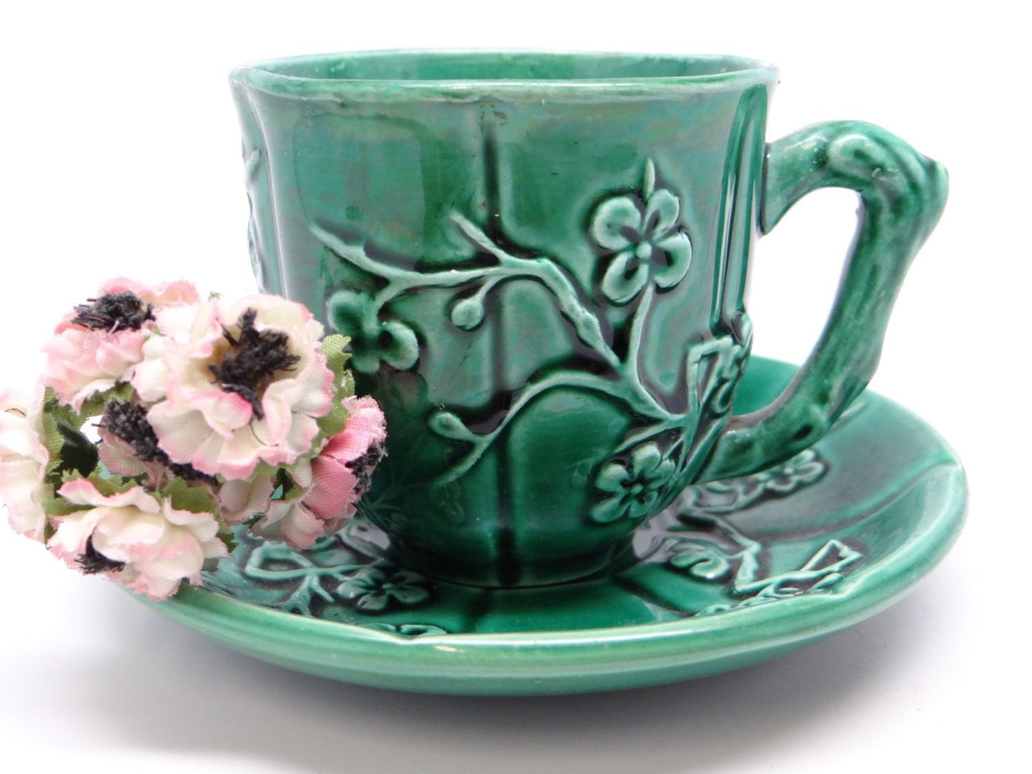 antique faiencerie de gien majolica green cup saucer french. Black Bedroom Furniture Sets. Home Design Ideas