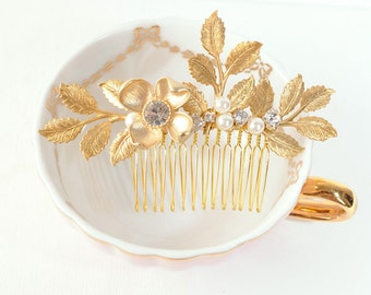 Gold Bridal Hair Piece, Gold Leaf Hair Comb, Woodland Wedding Hair Accessory, Leaf and Flower Hair Piece, Grecian Headpiece, Pearl Comb