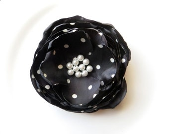 Dark Navy and White Polka Dot Silk Flower Pin with Pearls, Womens Gift Brooch, Floral Pins for Her, Black and White, Flower Brooch, Broach