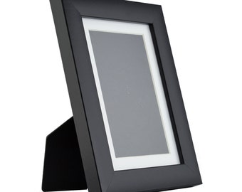 1WB3 Contemporary Table-top 5x7 Matte Black Standing Picture Frame with Mat (1WB3BK0507EASEL1)