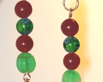 Beautiful Red & Green Glass Beaded Christmas Earrings!