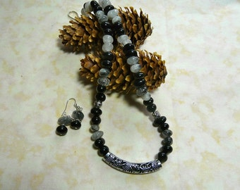 18 Inch Black Onyx and Rutilated Quartz Nugget Necklace with Earrings