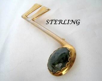 Sterling Music Brooch - Jade Cabochon - Musician Pin - Musical Brooch