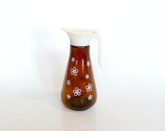 Thatcher Amber Glass White Daisy Syrup Pitcher, Dispenser with White Plastic Handle and Top, Serving Syrup Pitcher, Kitchen Collectible