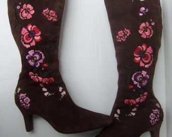 Stylish Brown Suede Embroidered Flower Boots US Size 6 M