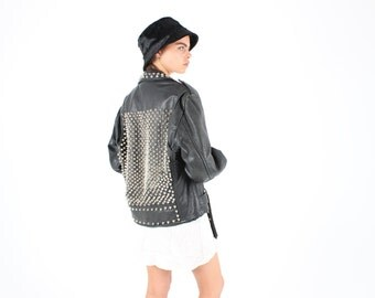 DROP DEAD AMAZING 80s Studded Leather Motorcycle Punk / Biker Jacket - Unisex