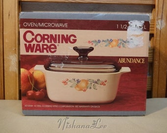 New Vintage Corning Ware Abundance 1 1/2 Quarts Covered Casserole Still Sealed in Box