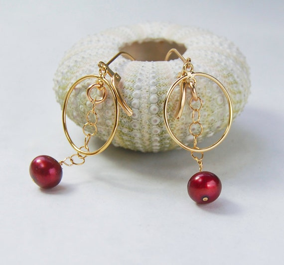 Cranberry Pearl Earrings . Gold Circles . Lightweight