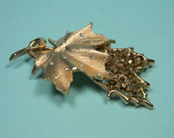 Sarah Coventry Brooch or Pin, Designer's Choice, 60s Book Piece