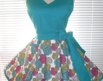 Fifties Style Housewife Apron Sweetheart Retro Apron Teal Paired with Pretty Teal Print Circular Flirty Skirt