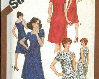 Women's Slim-Fitting  Dress Pattern, Simplicity 9906, Sizes 40, Bust 44, Waist 37  UNCUT