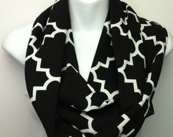 Moroccan quarter point black and white scarf