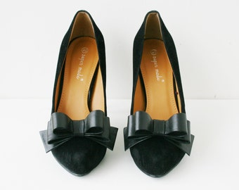 Black Leather Bow Shoe Clips