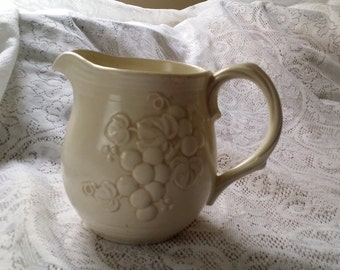Vintage Metlox Poppytrail Antique Grape 32 Ounce Pitcher - Made in California