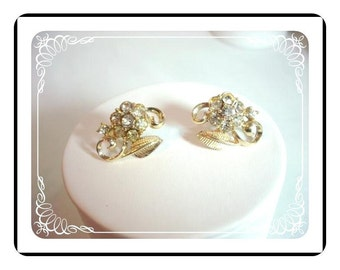Sweet Flower Earrings - Vintage in Gold Tone Signed Coro - E122a-04081200