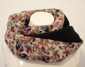 Loop/ Infinityscarfl/ Circlescarf with a floral pattern