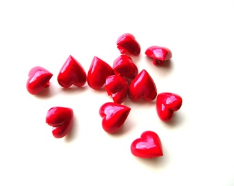 Red Heart Buttons - Heart Button Lot - Vintage Plastic Buttons - Vintage Buttons - 13x14mm - Valentines Day
