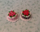 2 Floral Cakes
