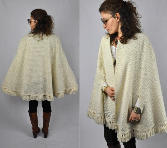 Knitting Pattern Cape Arm Slits : Crochet Poncho Fringe Ivory CAPE Capelet PONCHO Knit Wool