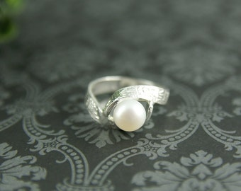 Chinese calligraphy Sterling silver and white pearl ring
