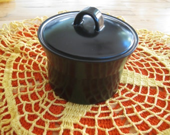 Mikasa Studio Black Sugar bowl lidded  Discontinued Rare Very good