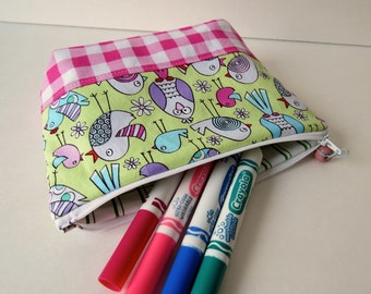 Zipped pouch for girl
