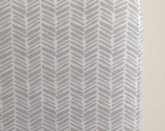 Fitted Crib Sheet in Gray Herringbone