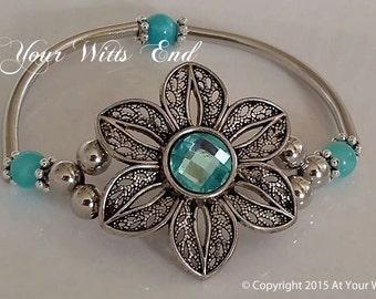 Flower bracelet, fun bracelets, spring jewelry, bracelets, stretchy bracelet, bangles, blue bracelet, flower jewelry, blue jewelry