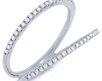 Beautiful 14k Gold Diamond Lady's Ring. BXSC55001198