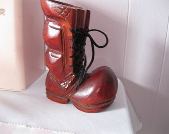 Wooden bootee