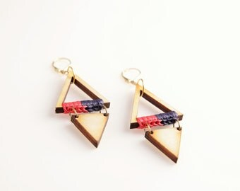 Woody Elves Triangle Earrings