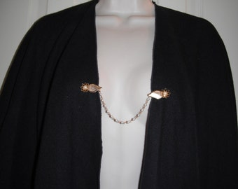 Leaf, flower, and pearl gold tone sweater clip, vintage