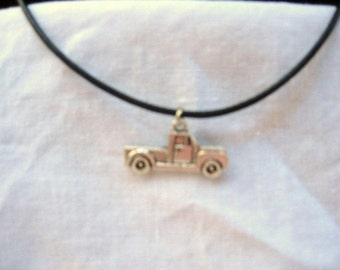 Little Truck Necklace / Men / teen jewelry / boys jewelry / kids / jewelry / men's jewelry / car / truck