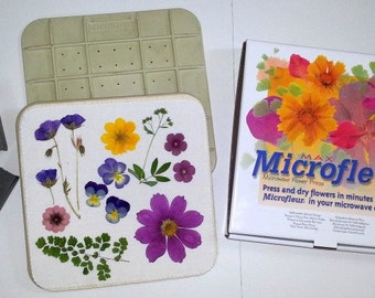 "9"" x 9"" Microfleur - Microwave Flower Press"