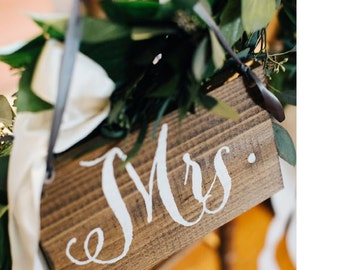 Rustic Mr Mrs Signs / Mrs Signs / Wooden Wedding Signs / Wedding Name Signs / Mr and Mrs Wedding Signs - WS-142