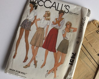 McCall's 7451 Misses' Skirt and Shorts pattern - Factory folded - Vintage Size 14