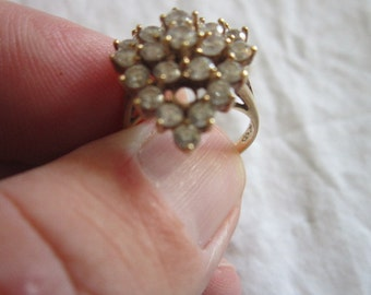Vintage Ladies 10K Gold & 26 CZ Yellow Gold Ring Wow Sparkles