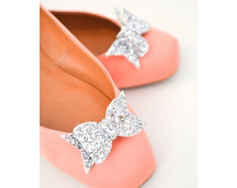 Bow Shoe Slips, Silver Glitter Bow Shoe Clips, Silver Glitter Wedding Shoeclips, Bridesmaid Bows, Flowergirl Shoes Clip