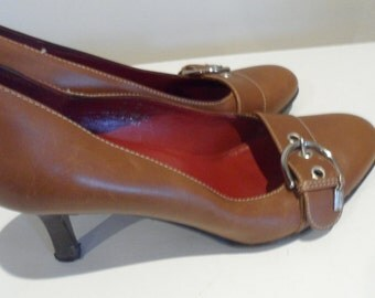 coach brown leather pump buckle front shoe  a very neutral  color  love 6 b but fit me  a small 6.5