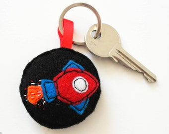 Felt Key Ring, Handmade Spaceship Keyring, Felt Hand Sewn Key Chain for a geek, Red and blue spaceship, Key holder