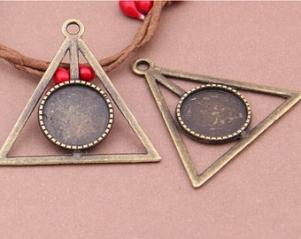 12pcs Triangle Pendant Trays,16mm Antiqued Bronze Cabochon Setting Pendant Trays Blanks