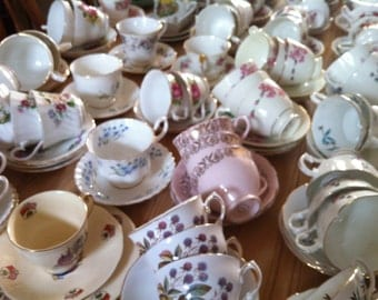 Job lot of 15 Pretty Vintage Tea Cups & Saucers - ideal for Tea parties