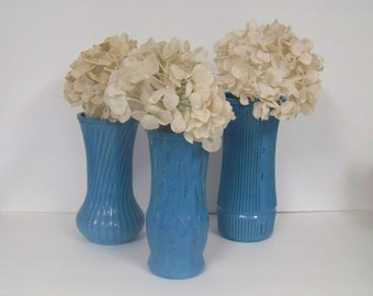 VINTAGE PAINTED VASES, 3 Turquoise Painted and Distressed Vases, Shabby Chic Flower Centerpieces, Set of 3 Wedding Vases. Rustic Chic Vases