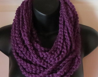 More Colors Available..Chunky Infinity Chain Scarf..Cowl..Neck Warmer..Accessory..Gift