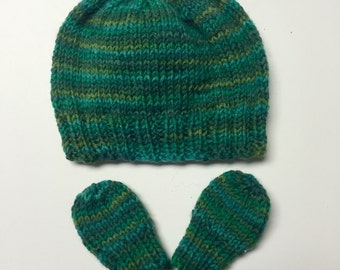 Preemie Green Hat and Mittens